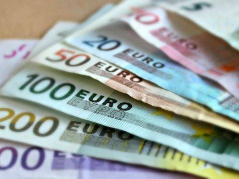 Bonus acqua potabile Bonus collaboratori sportivi Bonus Assegno unico Bonus 1000 Euro Acquisti Emergenza Fondi UE CRIF bonus maggio Bonus 600 Euro